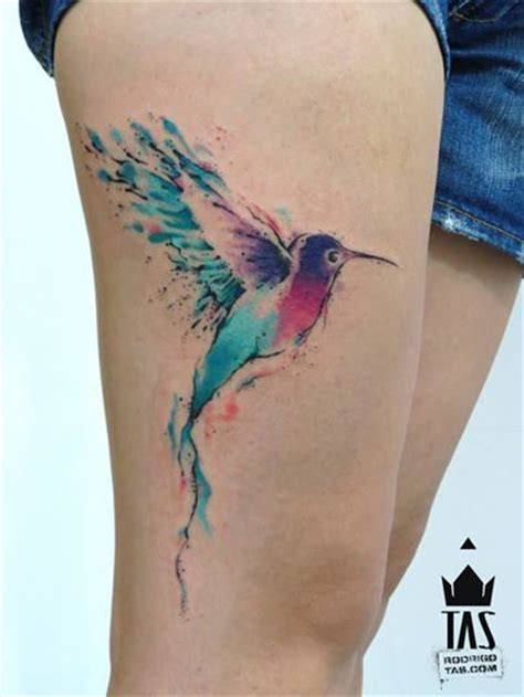 watercolor colibri tattoo on side thigh tatoo