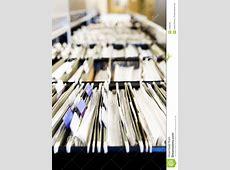 文件堆 库存照片. 图片 包括有 标签, 排列, 许多, 纸张, 附注, 危机, 文件, 机柜, 出票人, 工作量 ... X 2 Review