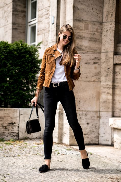 wear  brown leather jacket fashion week outfit