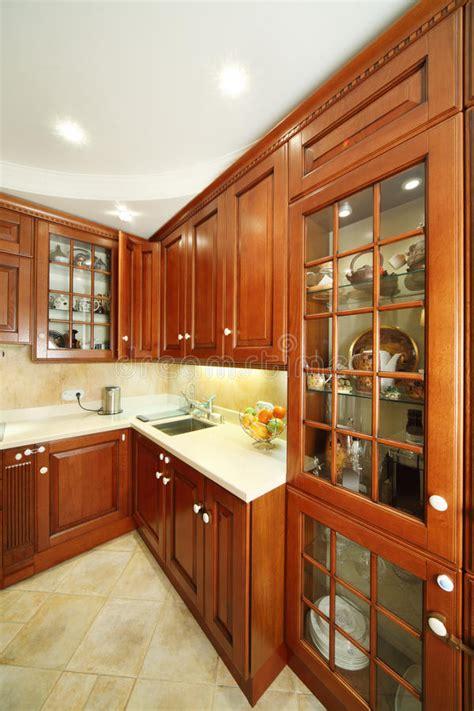 armadietti cucina armadietti della cucina lavandino e controsoffitti di