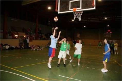 imagenes niños jugando basquetbol jugando basquet imagui