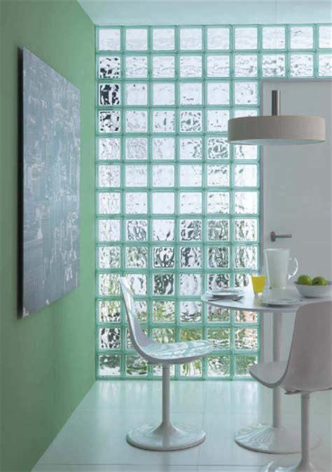 baños decorados con ladrillos de vidrio que puedo hacer con los botes de leche