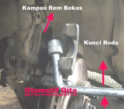 Kas Rem Cakram Mobil Avanza cara mengganti kas rem cakram mobil atau brake pad depan otomotrip