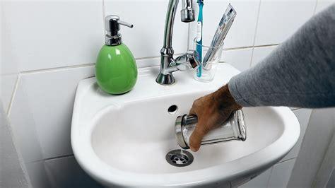 abfluss reinigen hausmittel abfluss reinigen backpulver toilette reinigen mit cola