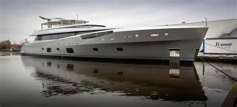 feadship como the world of yachts boats