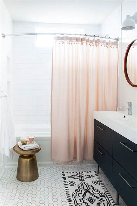 What Color Shower Curtain For A Small Bathroom by 25 Best Ideas About Bathroom On