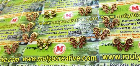 Bordir Logo Custom Desain Sendiri pesan pin enamel dengan desain sendiri pesan name tag lencana pin plakat lycal resin atribut