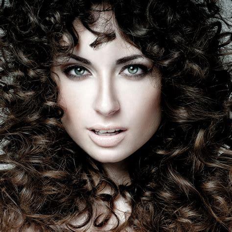 how to lighten hair that has been dyed too dark popsugar how to lighten hair that has been dyed too dark popsugar
