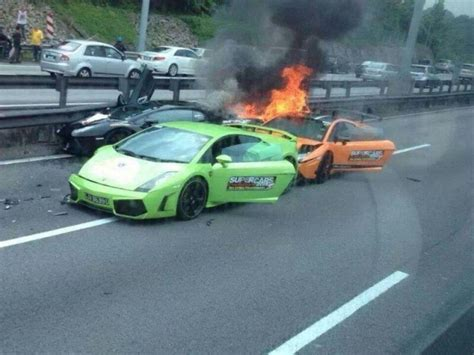 lamborghini crash three lamborghinis burn to the ground after crashing into