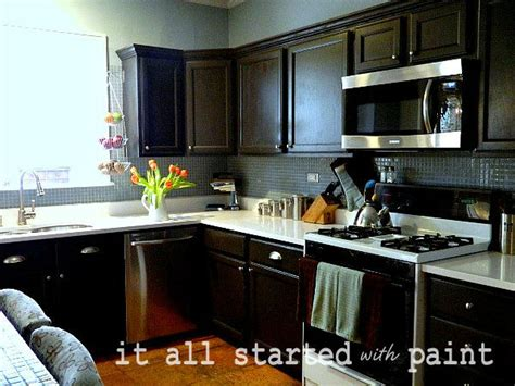 Paint Grade Kitchen Cabinets Painting Builder Grade Oak Cabinets What I Did It All Started With Paint
