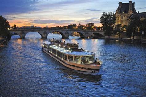 bateau mouche faut il reserver vedettes du pont neuf paris ce qu il faut savoir
