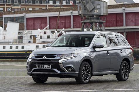 Mitsubishi Outlander Phev Fuel Consumption Mitsubishi Outlander Phev Specs 2016 2017 Autoevolution