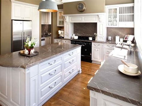 kitchen color schemes with white cabinets classic