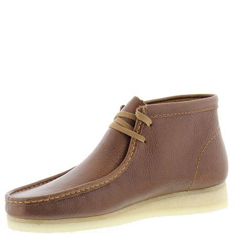 boys clarks wallabee boot clarks wallabee chukka s boot