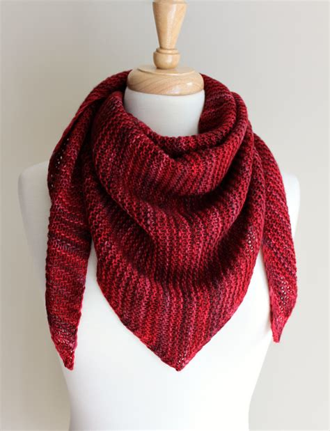 triangle scarf pattern knitting free free knitting patterns truly triangular scarf