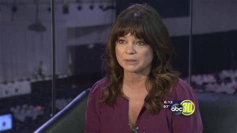 valerie bertinelli news photos and videos abc news hp blusukan actress valerie bertinelli talks with abc30 abc30 com
