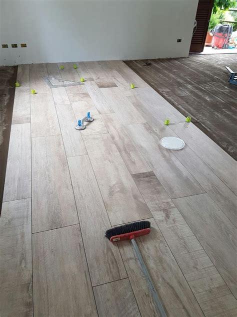 piastrelle como pavimento gres porcellanato effetto legno como di