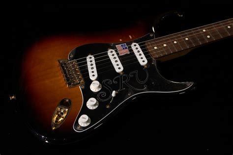 fender stevie ray vaughan stratocaster  color sunburst gino guitars