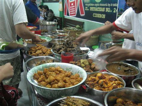 Krupuk Bawang Khas Cirebon kuliner 10 kuliner khas cirebon mantap traveloista