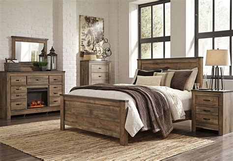 ashley furniture  trinell modern queen  king panel