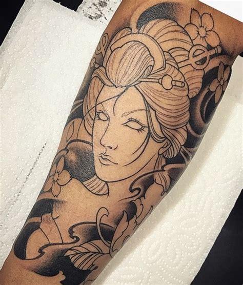 tattoo geisha na perna 25 melhores ideias de tatuagem carpa no pinterest