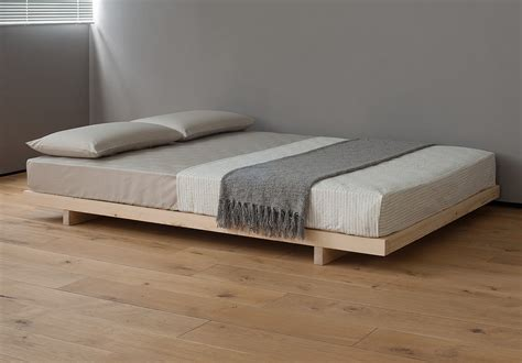 Platform Bed Without Headboard Minimalist Bedroom With Platform Beds Without Headboards Pine Wooden Flooring Pine Wooden
