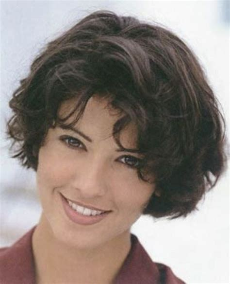 short stacked hairstyles for women 60 image from http hairstylegirls com wp content uploads