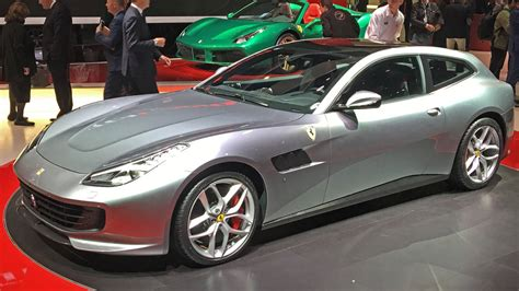 gtc4lusso gallery gtc4lusso t debuts at the motor show