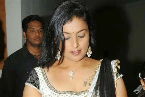 heroine roja caught with tattoo on her hotspot hd images