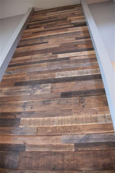 canapé en palette en bois les 25 meilleures id 233 es de la cat 233 gorie meubles en bois de