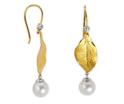 14 designs of gold earrings for