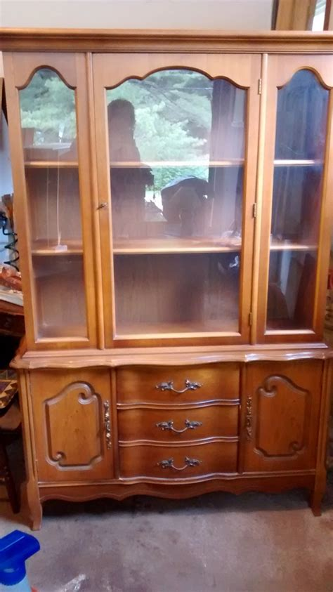 Bassett China Cabinet Cherry 400 29 353   My Antique Furniture Collection