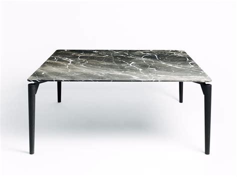 tavolo con piano in marmo tavolo quadrato con piano in marmo e piedi in legno tavolo