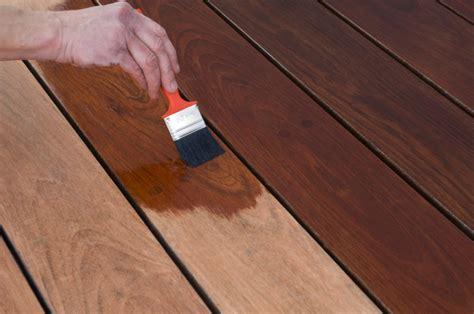 Terrasse Farbe by Terrassenholz Streichen 187 Anleitung In 3 Schritten