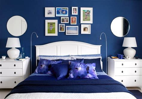 royal blue living room with feature wall decorating 20 marvelous navy blue bedroom ideas