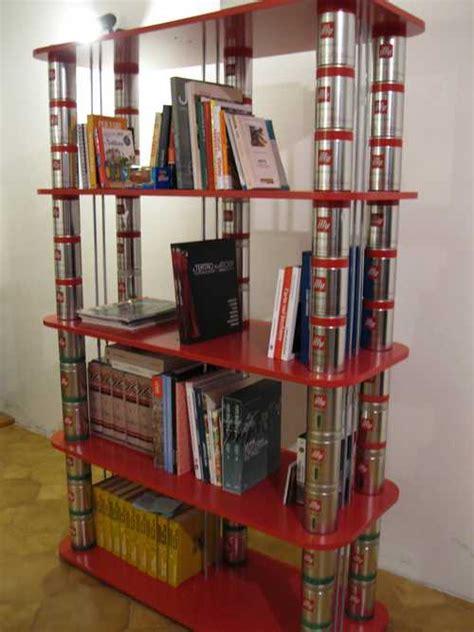 libreria plastica 10 librerie e scaffali dal riciclo creativo greenme