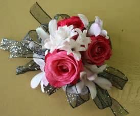 prom wrist corsage prom corsage ideas school prom bouquets wrist corsages philadelphia wedding flowers