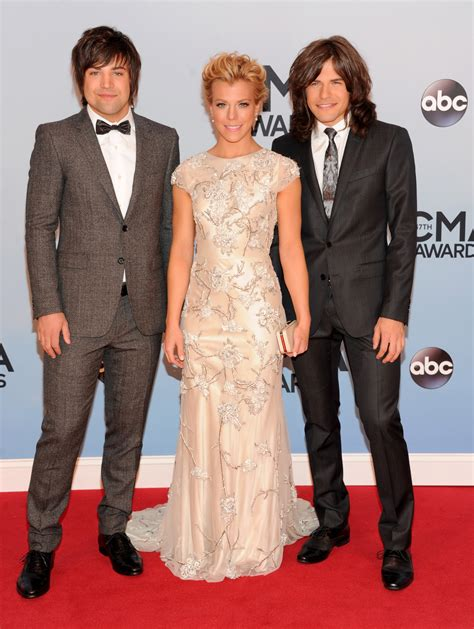 kellie pickler and hunter hayes performing 2013 cma awards street party cma awards 2013 best and worst dressed taylor swift