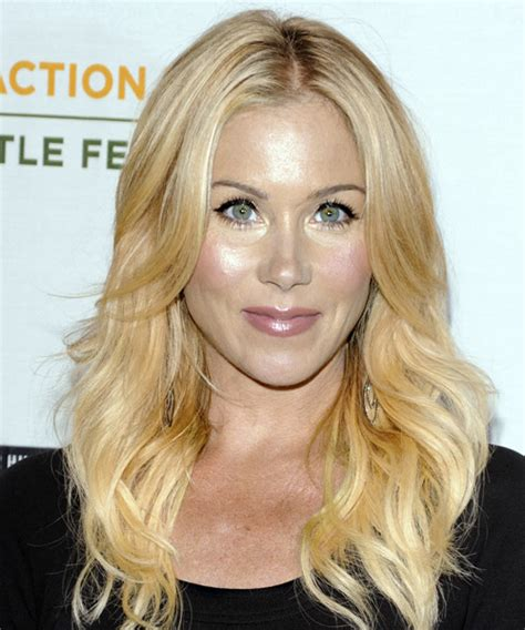 christina applegate hairstyles get the look pro tips from allie paronelli neil george