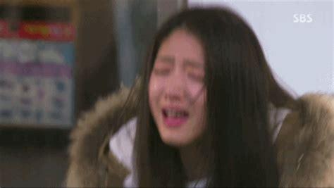 imagenes coreanas llorando meeting 24 angst cnblue jungyonghwa parkshinhye yonghwa