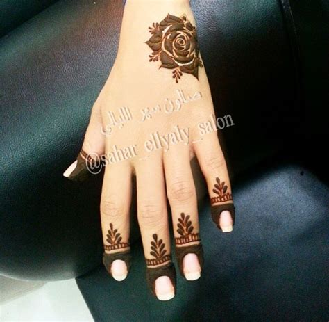rose tattoo desing 100 best henna images on henna tattoos hennas