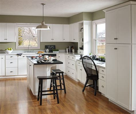 aristokraft kitchen cabinets reviews aristokraft cabinetry reviews cabinets matttroy