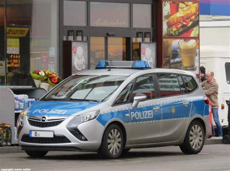 Bewerbungsfrist Landespolizei Berlin Opel Zafira Tourer Streifenwagen Der Berliner Polizei