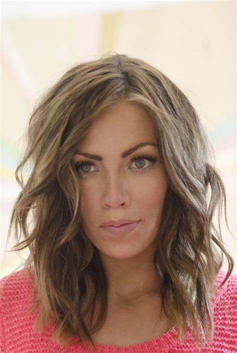 layered beachy medium length haircut layered haircuts for shoulder length hair hair world