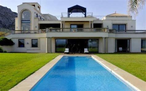 la casa en venta mas  de espana cuesta  millones