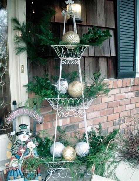 decorar jardines en blanco ideas para decorar el exterior en navidad