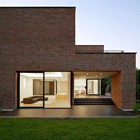 brick pattern house alireza mashhadimirza vida moderna casa familiar interiores