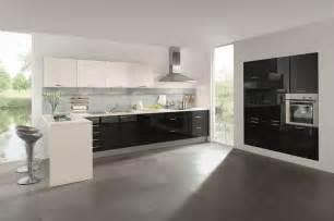 arbeitsplatte küche 80 cm tief unterschrank kuche schwarz hochglanz beste home design