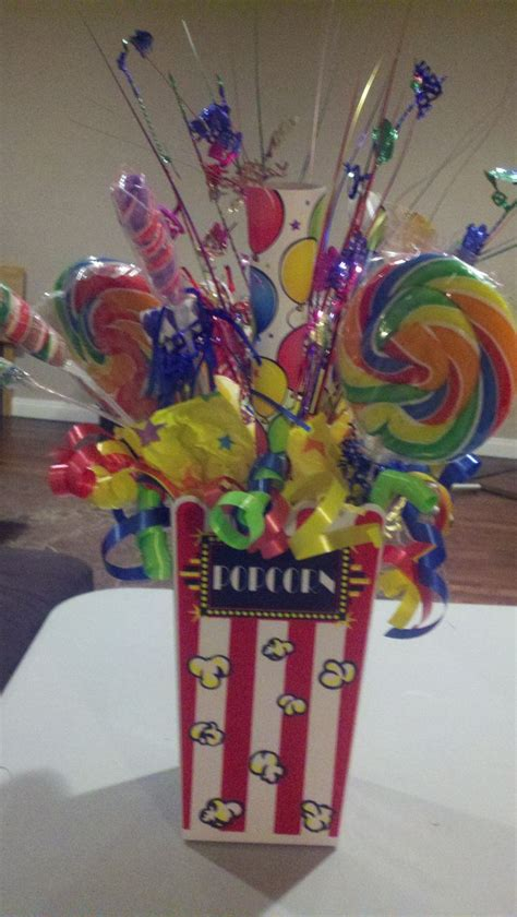 circus themed table decorations 25 best ideas about carnival centerpieces on
