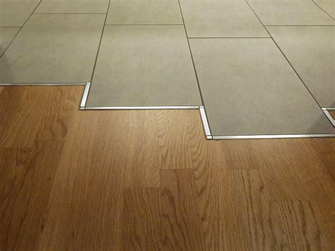 pvc boden vom holzboden entfernen laminat oder parkett laminat oder parkett immokey